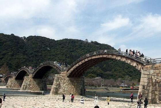 800px-Kintai_bridge